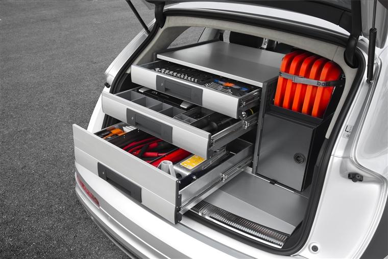 fahrzeugeinrichtungen audi q7 schniepp fahrzeug und betriebseinrichtungen waiblingen. Black Bedroom Furniture Sets. Home Design Ideas